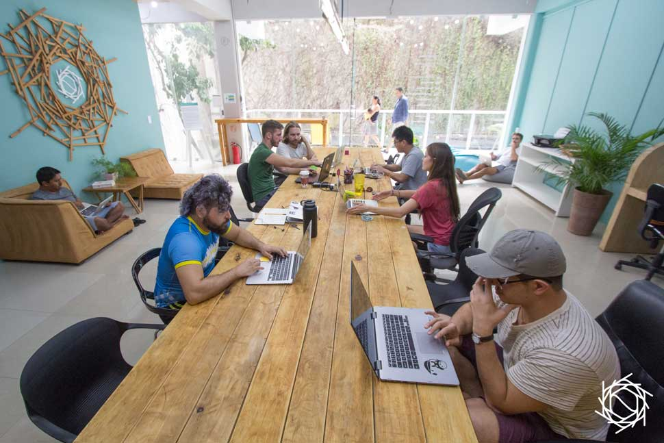 learn to code, coding bootcamp, codingnomads, travel and learn programming, nest coworking, coworking mexico, coworking playa del carmen
