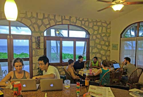 learn to code, coding bootcamp, codingnomads, travel and learn programming, coding bootcamp mexico